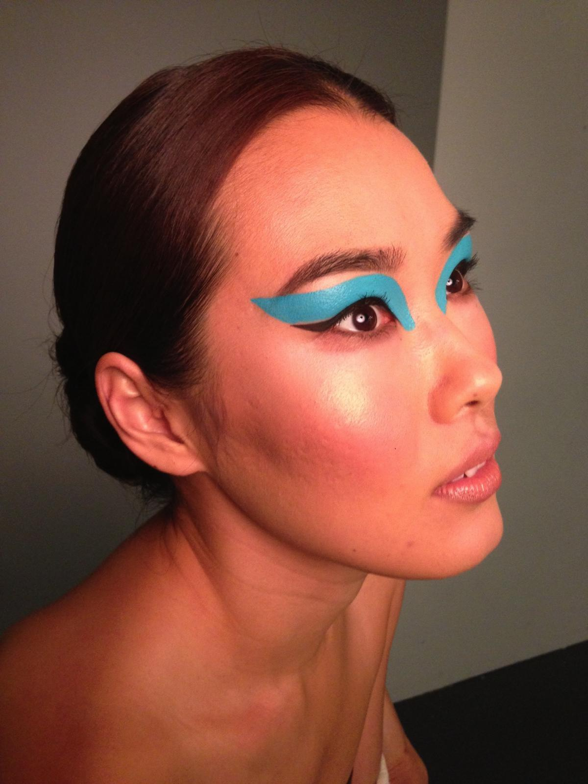 Teal Eye Makeup BTS